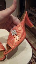 продам новые розовые туфли