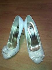 Продам красивые свадебные туфли