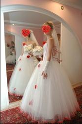 Красивое и необычное свадебное платье!