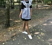 Школьное платье в комплекте с фартуком